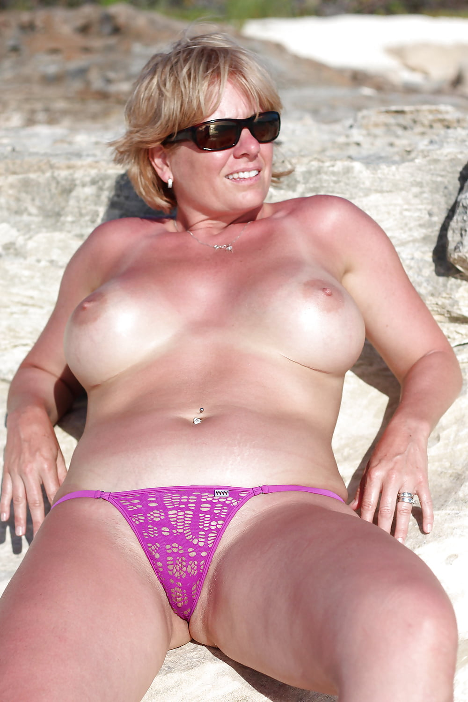Nude Pix HQ Latina sexy hard free